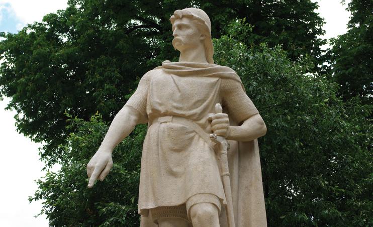 rollon rollo viking statue